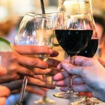 10 Simple Ways to Save Money while Drinking at Bars